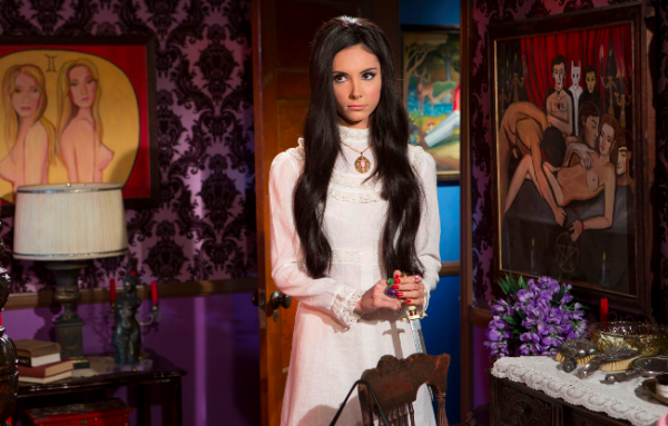the-love-witch-movie-600x383